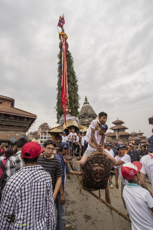 On the move at Rato Machhendranath festival in Kathmandu Nepal . Pictures by pikturenama