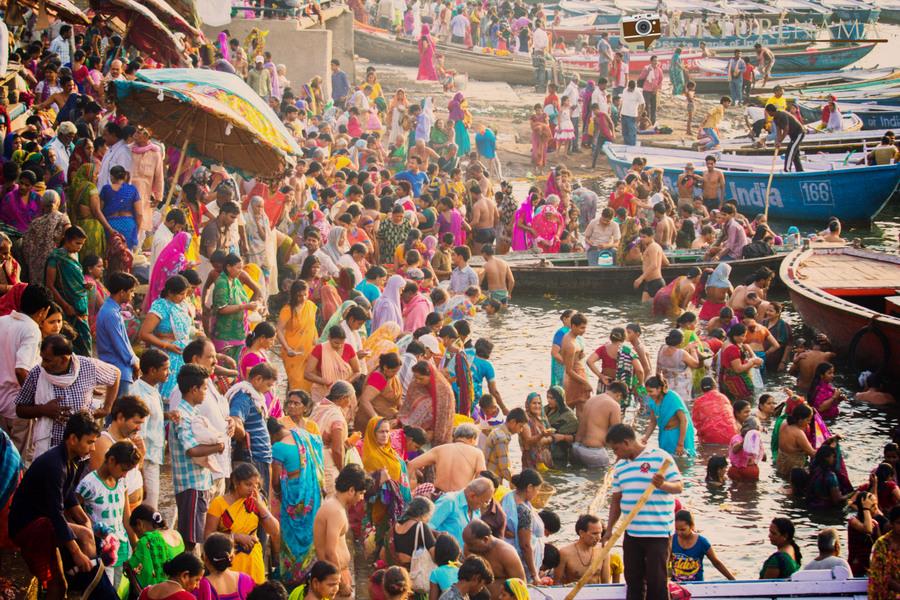 Varanasi diaries – People photography along the Varanasi ghats in morning