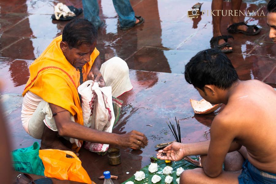 Durga Pujo the prayers