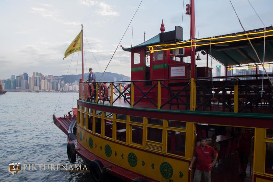 Sunset cruise Hong Kong 4