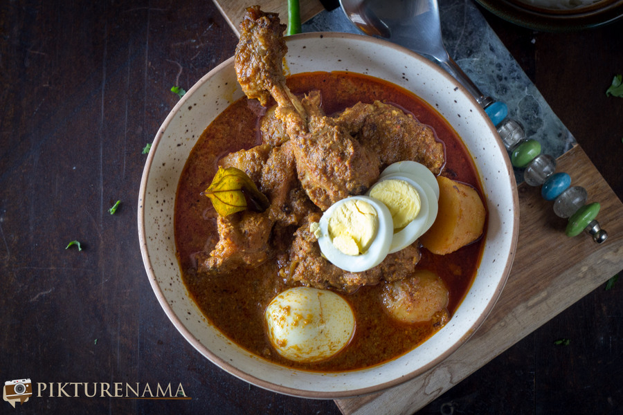 Bengali Murgir Dum / Bengali Slow cooked chicken curry