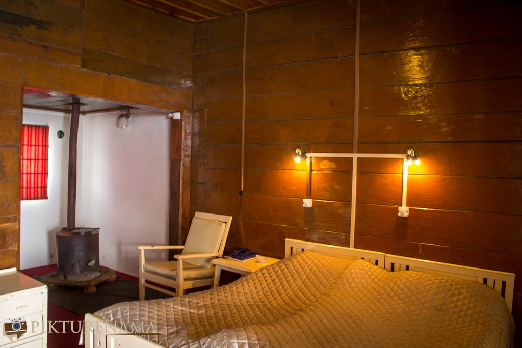 Nedous Hotel Gulmarg Kashmir 130 year old rooms