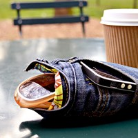 Make an awesome DIY glasses case from your old jeans