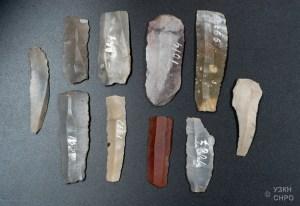 herramientas típicas (cuchillos) sílex prehistórico (No son los que se encuentran en el campamento de Londres)