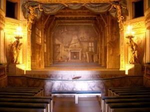 "O interior do delicioso & quot; Petit Théâtre de la Reine"" al Trianon, Versailles"
