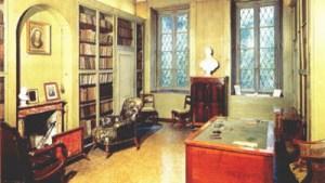 Interior da casa Manzoni em Milão: o estudo