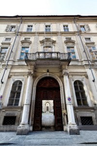 Palazzo Cavour a Torino. Qui lo statista nacque e morì