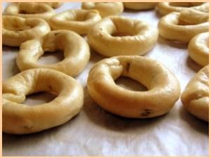"""I """"taralli"""" o """"anneaux"""", biscotti dei Galli"""