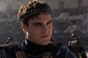 """Joaquin Phoenix interpreta Commodo nel film """"Il gladiatore"""""""