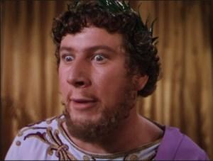 """Peter Ustinov en su memorable actuación de Nero en la película & quot; Quo Vadis?"""" (1951). Los rizos eran característicos del emperador excéntrica"""