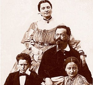 """Familienbild für Vittorio Emanuele II mit & quot; schöne Rosina"""" und die Kinder"""