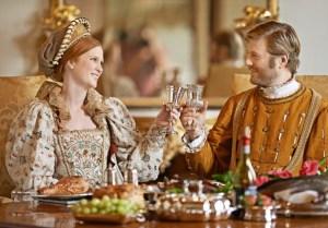 En los banquetes renacentistas de los ricos que aparecían a veces & quot; oro y alimentos quot;, cubierto con oro de verdad