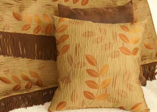 pillow throw decor
