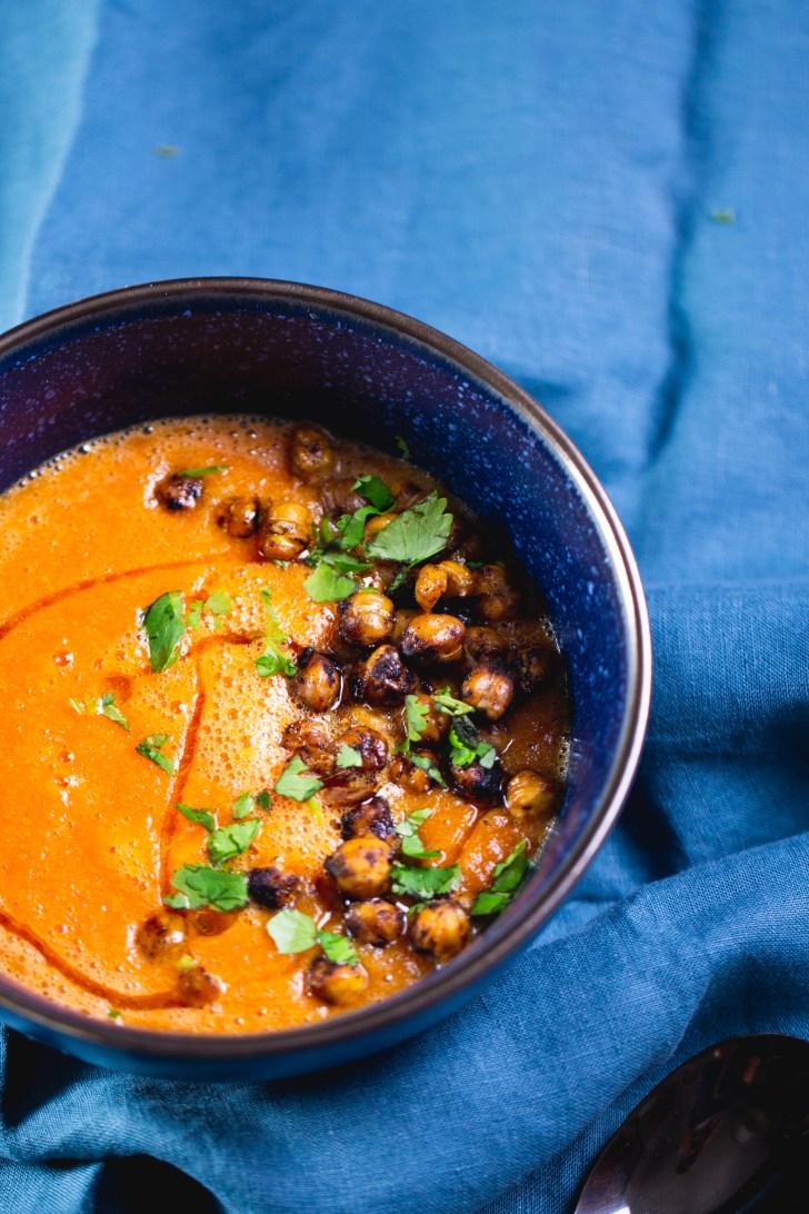 Sopa de toamte, receta fácil, rápida y vegana