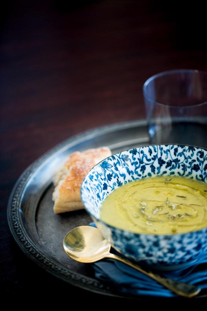 Receta de sopa de chícharo, receta de sopa vegana, receta fácil y deliciosa.