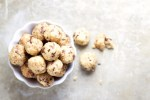 Galletas choco chip, crudiveganas, dulce vegano, delicioso. Healthy cookie dough snacks, galletas sanas.