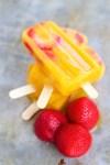 Paletas de mango y fresa