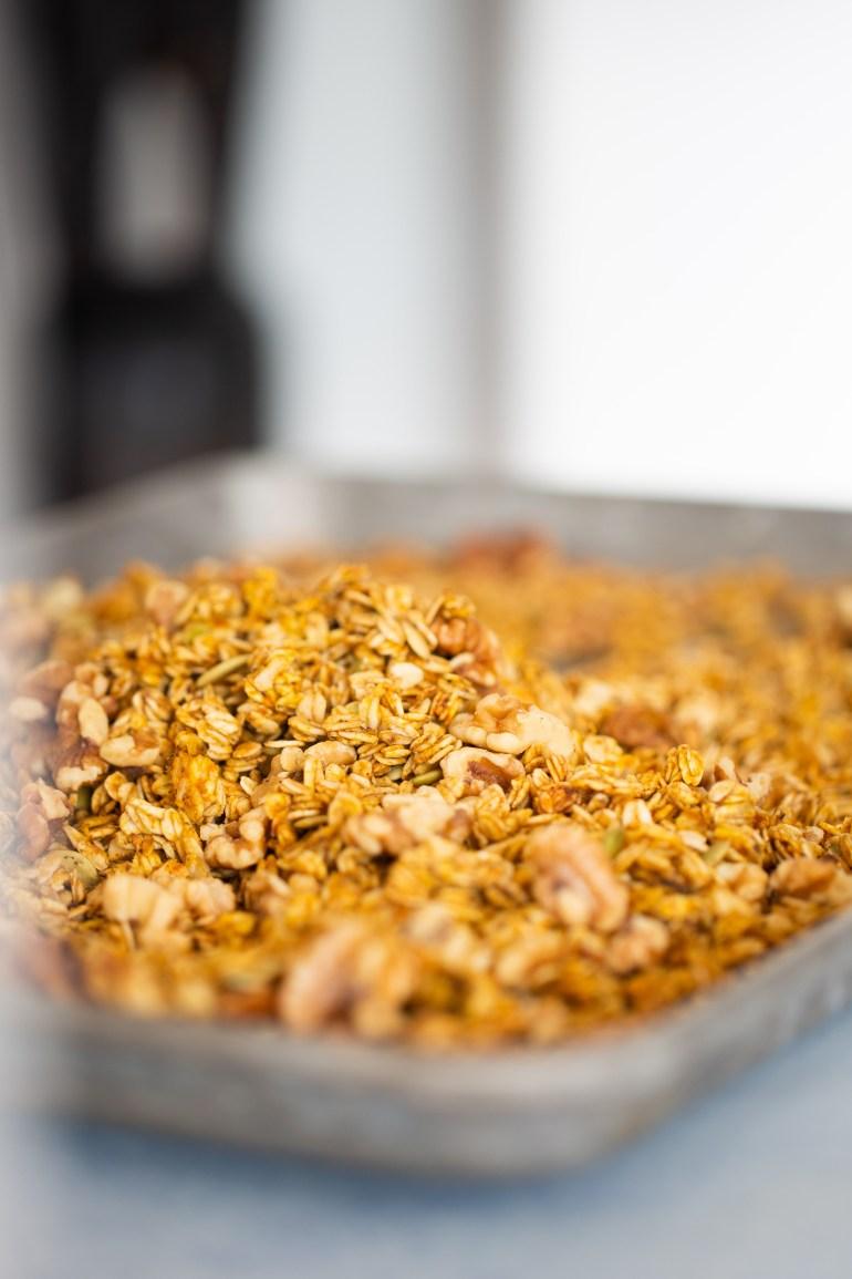 granola en la charola