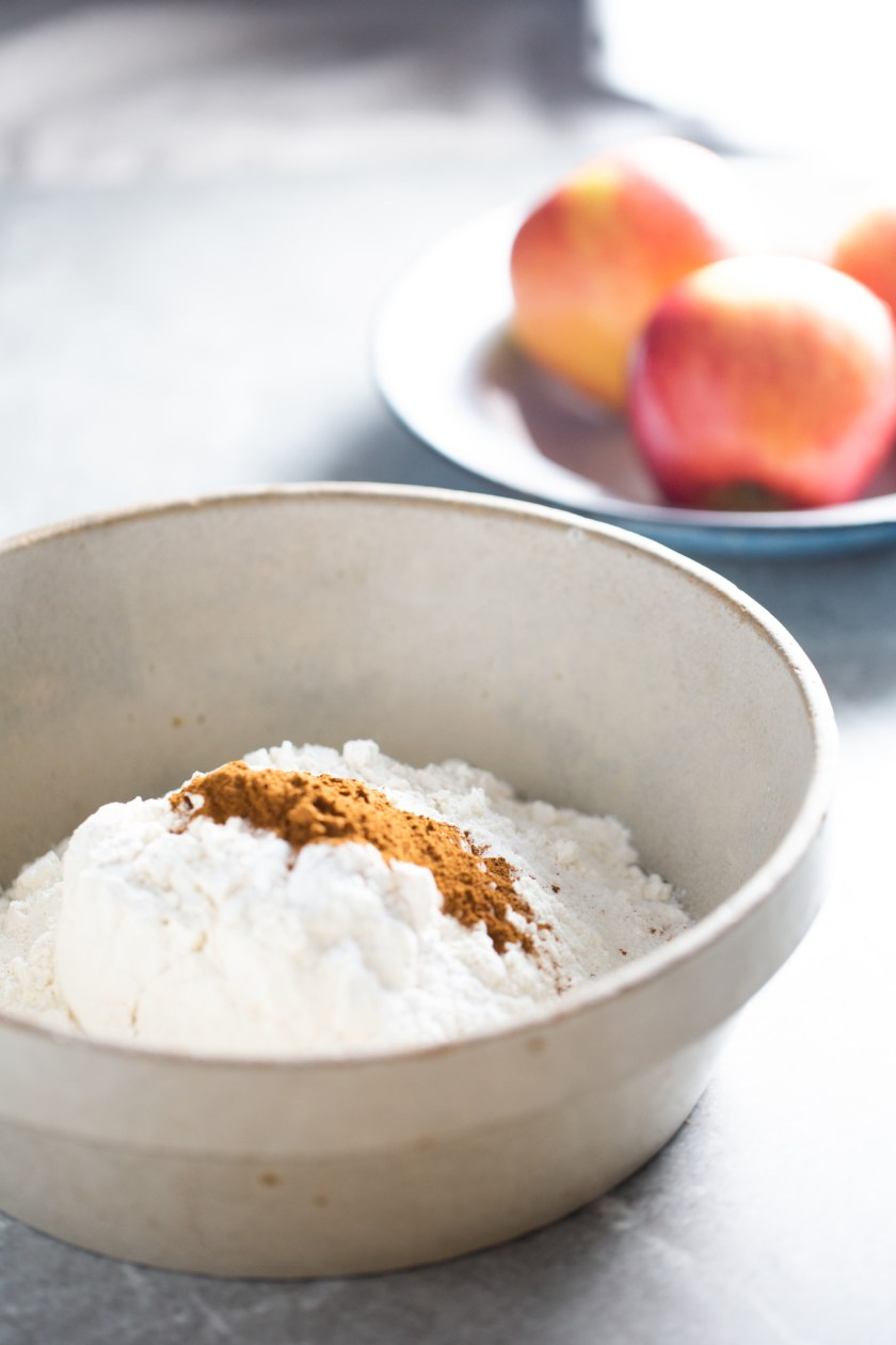 Ingredientes para hacer donas de manzana en el horno