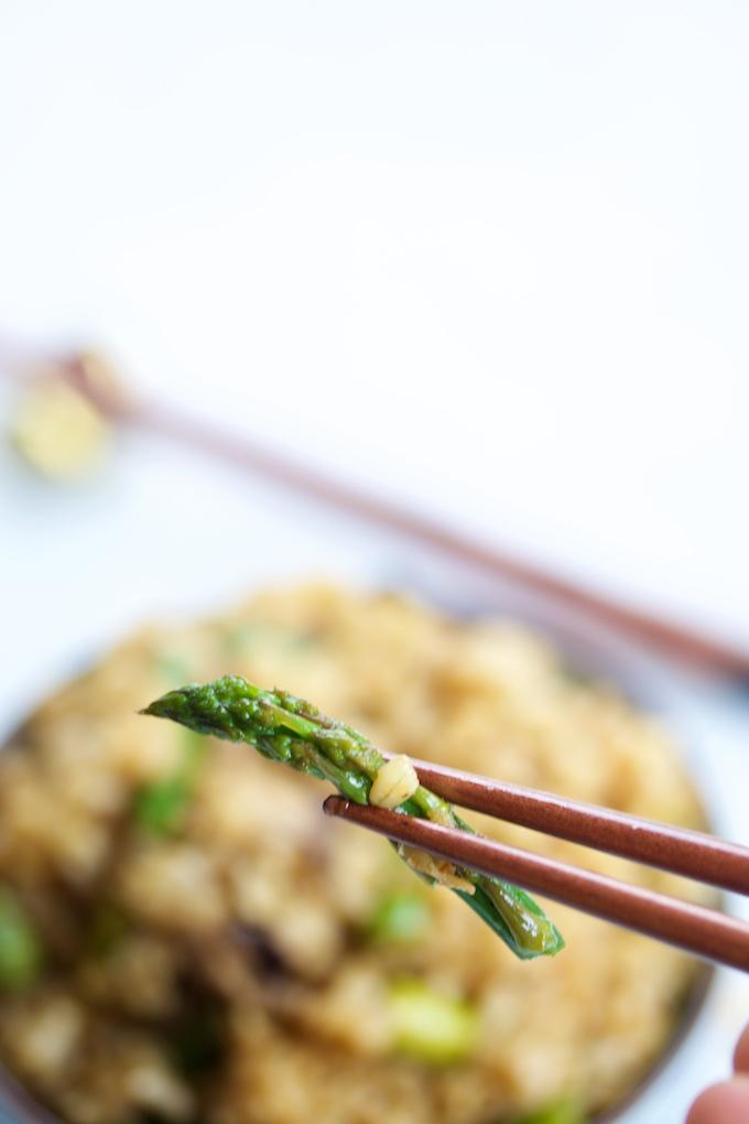 Arroz frito con shitake y esparragos.p&V
