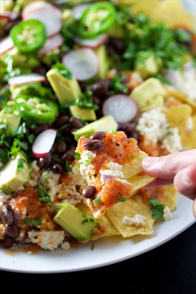 Nachos o chilaquiles veganos