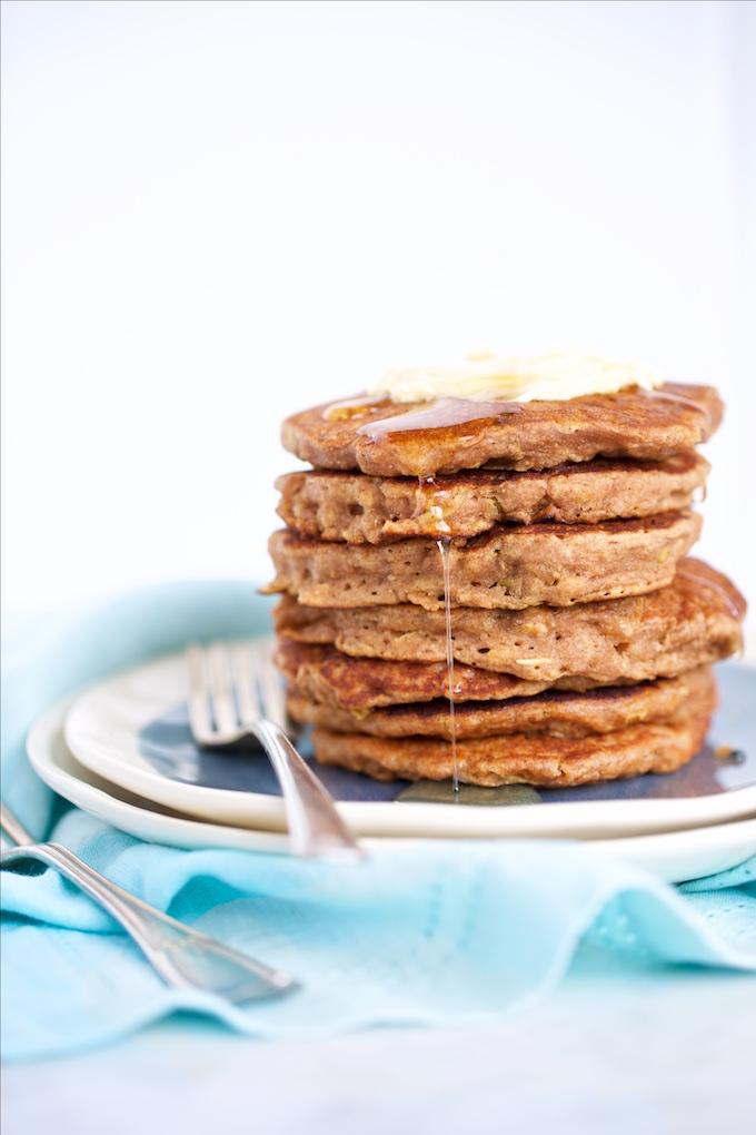 Hotcakes con manzana y avena, veganos.P&V