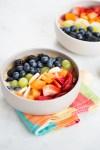 Smoothie bowl con colores del arcoirs
