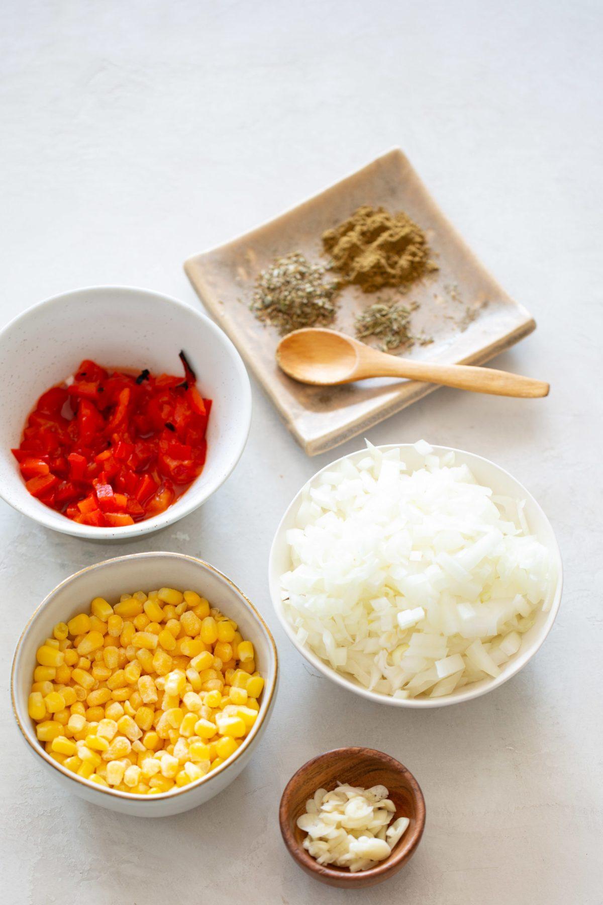 ingredientes y especias para hacer chili