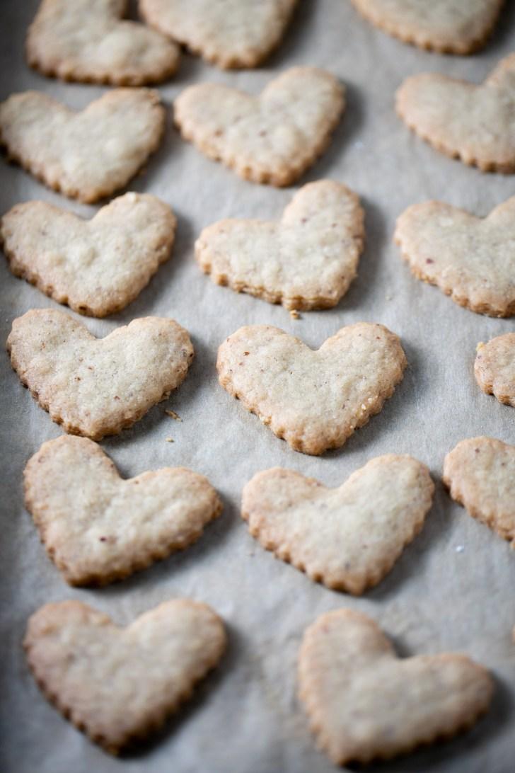 galletas de corazón en charola
