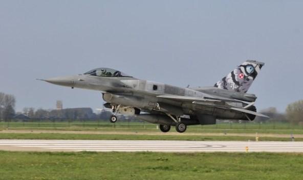 F-16C-52  31TAB.