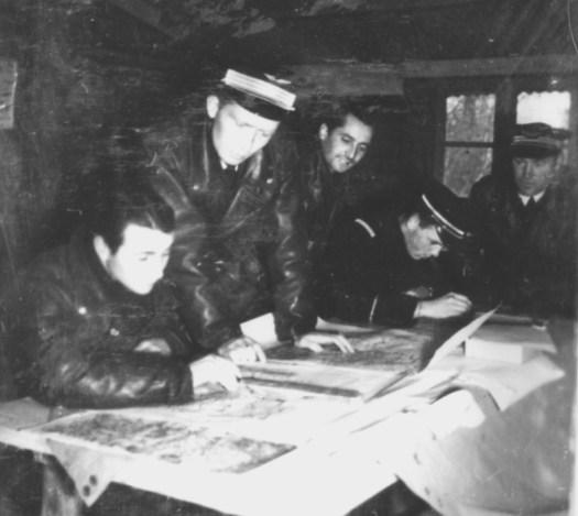 1939 les pilotes préparent leur mission 2