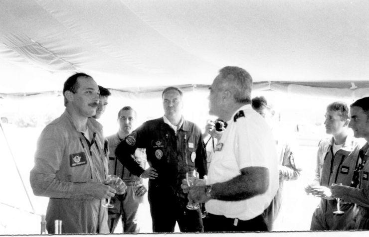 A Rivolto en 1993, discutant tranquille avec le CEMAA, le général LANATTA.
