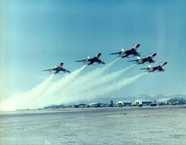 Les Thunderbirds au D/L