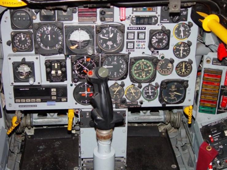 F-100 la cabine