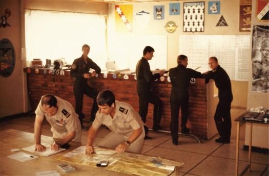 La salle d'OPS à l'époque où on peut voir le Guitou, Minet, Sausback, Taquet,...