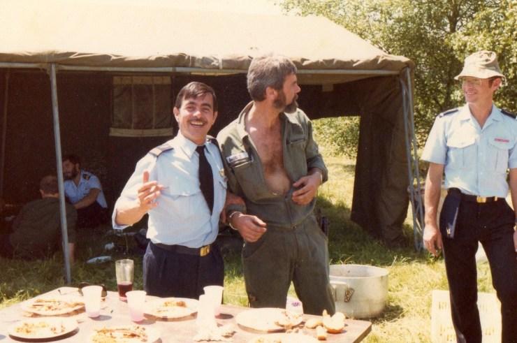 Méchoui Pétaf au 1-11 Durand (sous la tente), Cne Rigail, Améglio et Zezette
