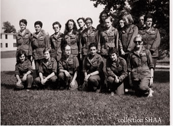 Les premières volontaires féminines