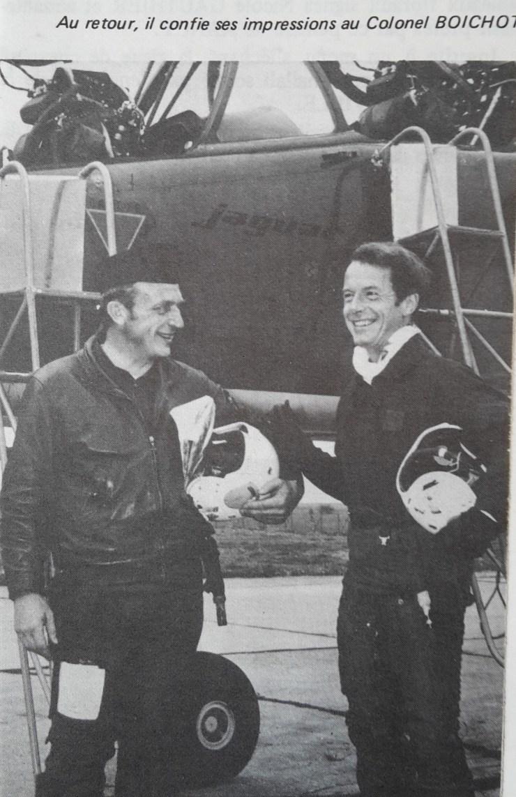 Le secrétaire d'état, Mr BEUCLER,  à son retour de vol