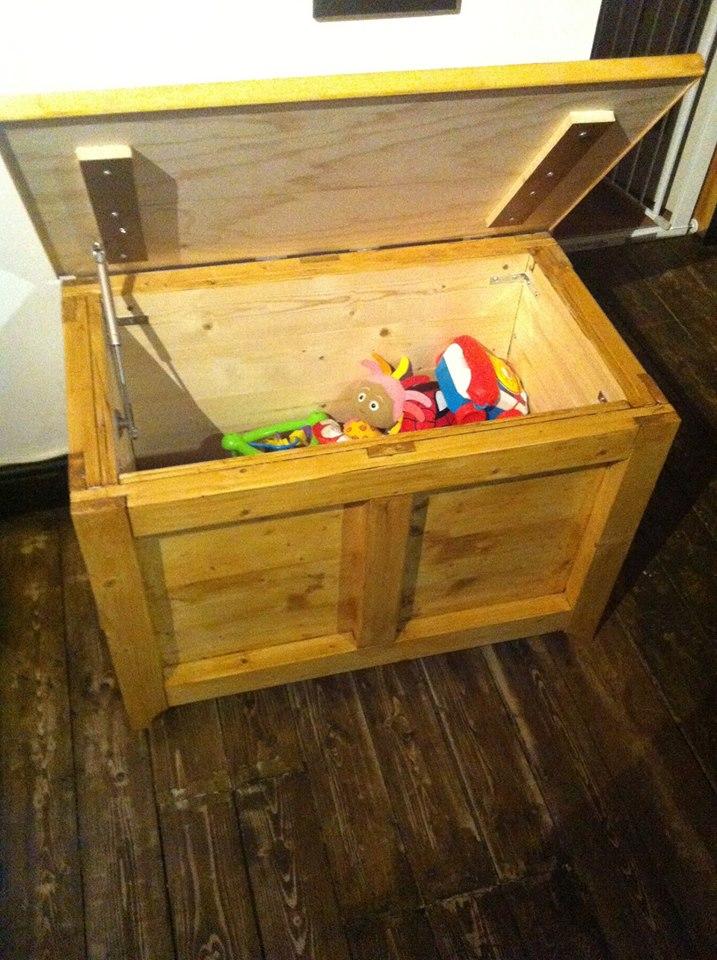 pilotwoodwork-toybox-open