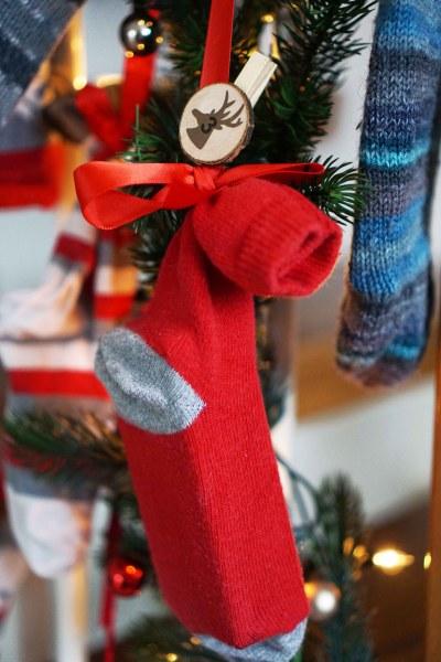 DIY Adventskalender aus Socken - Upcycling