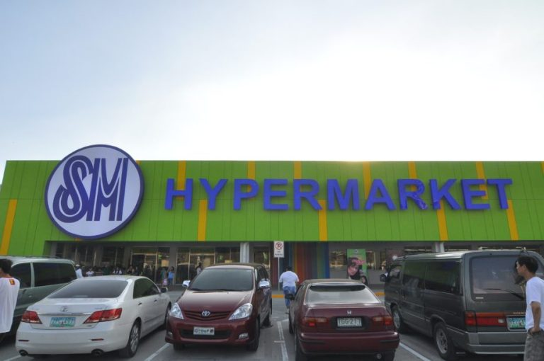 SM Hypermarket is now open in North Harbour, Manila