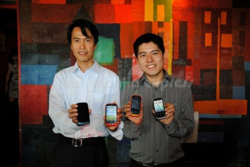 Harry Au- GM for ALCATEL Asia Pacific and Darren Sy (General Manager, ClearSight Corporation)