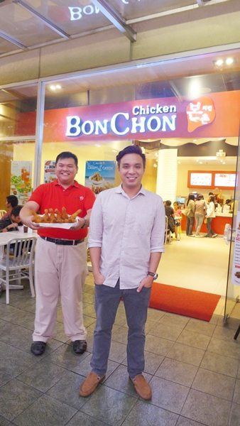 Team BonChon is now open to serve in the Summer Capital of the Philippines! BonChon Chicken Philippines Managing Director Scott Tan with franchisee Kevin Chong of Healthy Pine Ventures are both ready to share the same crispy chicken secret with Baguio.