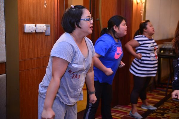 Ang Tatlong Bibe! Kidding... The Grasyas Iris Pulga, Iris Acosta (that's me), and Mauie Flores enjoying an hour of exclusive Zumba session.