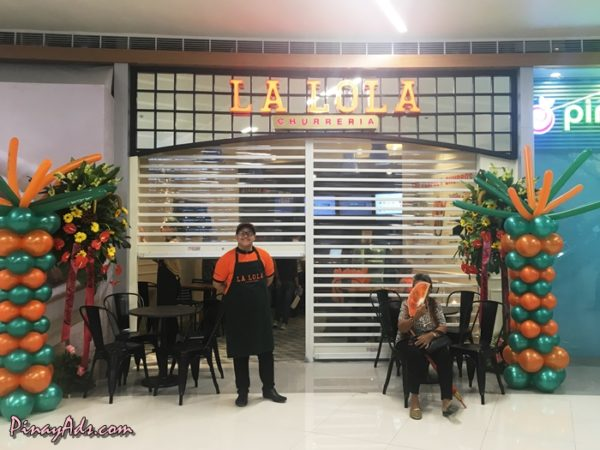 La Lola Churreria, this small chocolate café serves churros in conical boxes, with an option to pair them with hot Belgian chocolate dip.