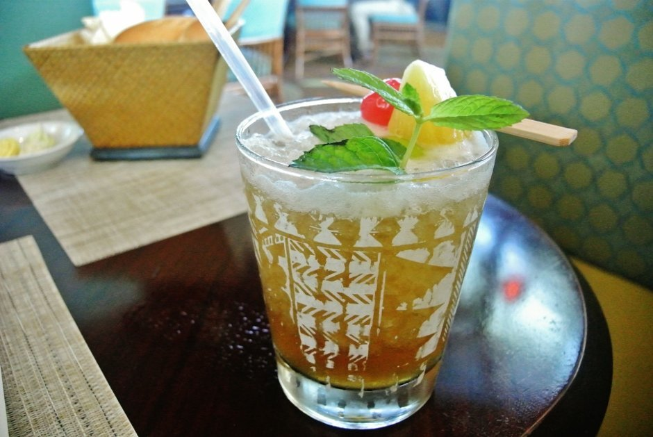Friday Brunch at Trader Vic's, Hilton Doha Hotel