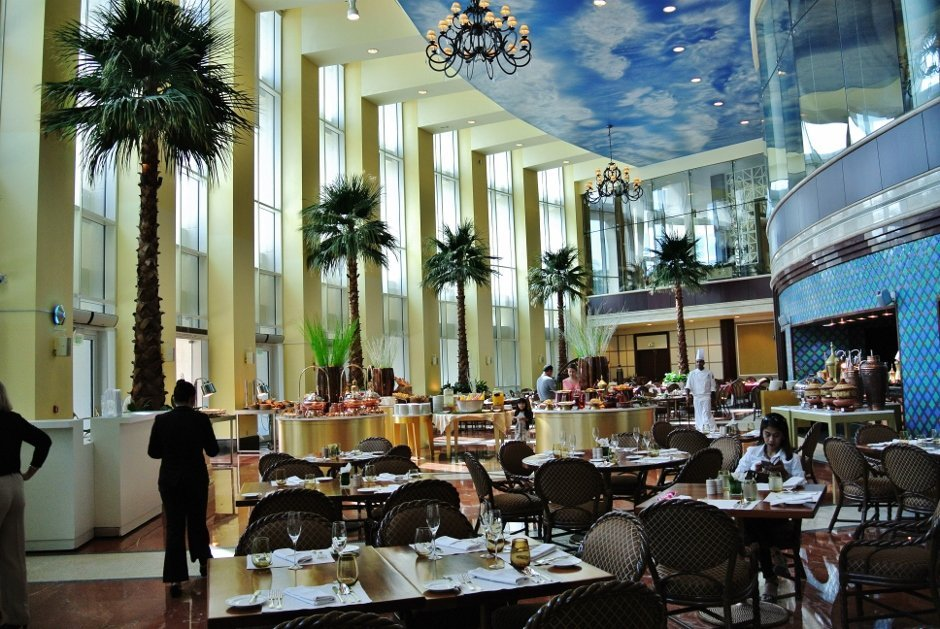 Friday Brunch at Lagoon REstaurant, The Ritz Carlton Doha