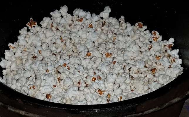 Easy Camp Popcorn in a Dutch Oven