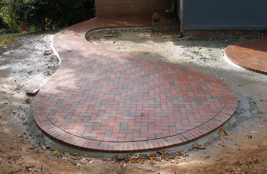Think outside the square: Curved and round patios and ... on Square Patio Designs  id=89164