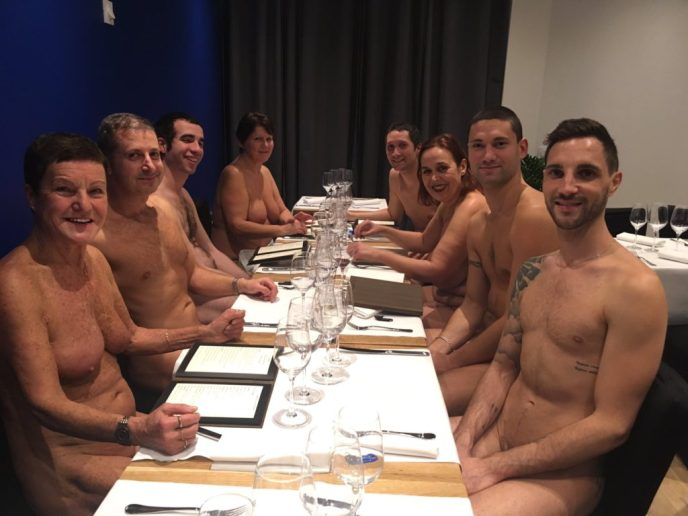 Nude restaurant in Paris.